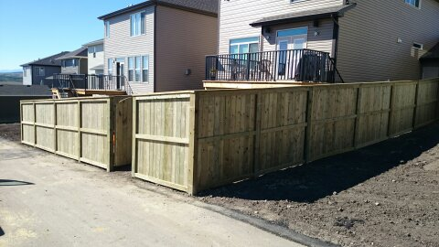 how to build a fortress style fence